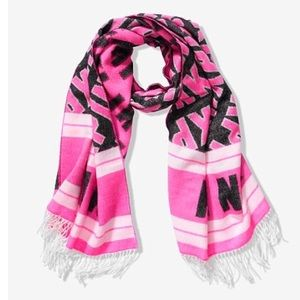 NWT VS PINK Blanket Scarf   One Size